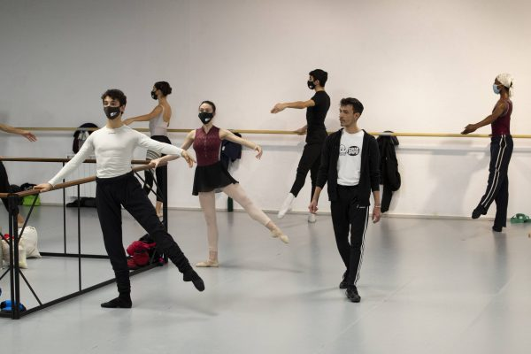 Classe amb Lucía Lacarra i Matthew Golding